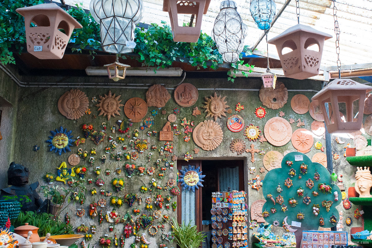 Where to buy souvenirs in Sicily