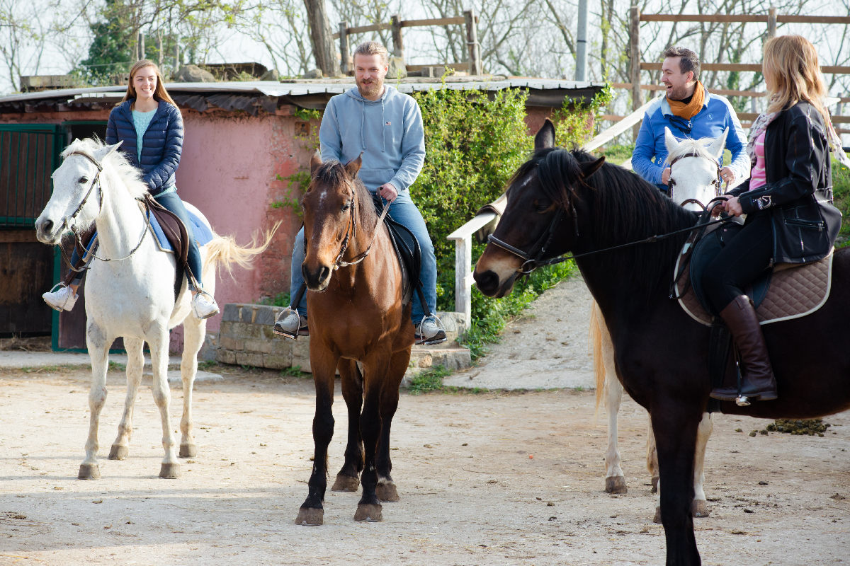 how to ride a horse in Rome