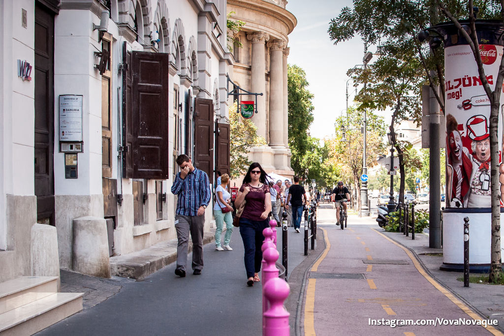 Bike lines in Budapest