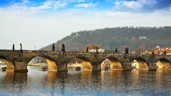 Charles Bridge in Prague where to stay nearby