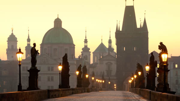 how to get to charles bridge in Prague