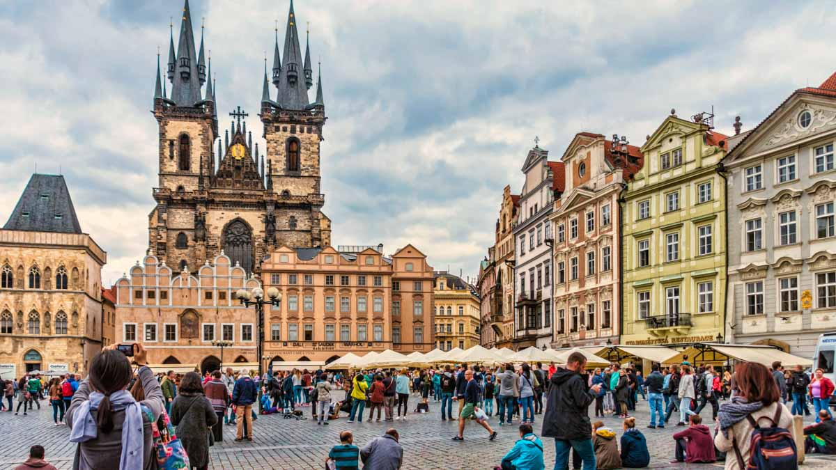 How long to stay in prague the right vacation plan with for Best place to stay in prague
