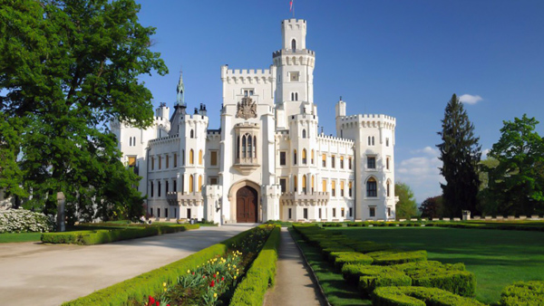 Tour from Prague to Cesky Krumlov and Hluboka Chateau
