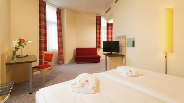 hotels near Prague train station Exe City Park