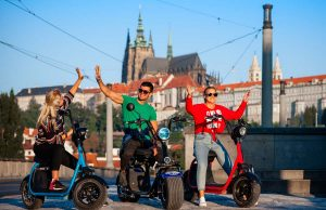 Prague tour on electric bikes