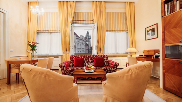 hotels near Prague the old town square Ventana Hotel