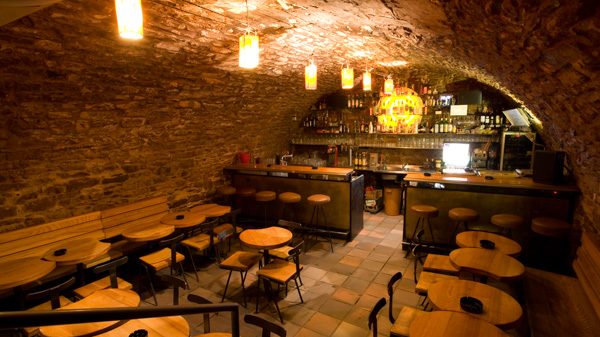 best speakeasy bars in Prague Vinárna U Sudu